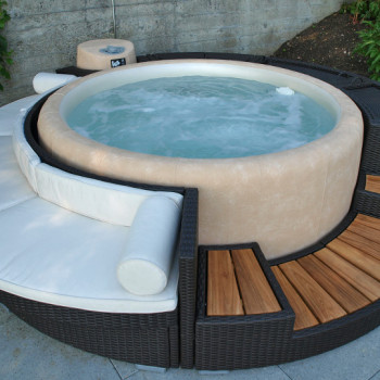 Softub Chill Lounge